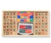 Set 56 štampiljk in blazinice za črnilo Colourful Alphabet