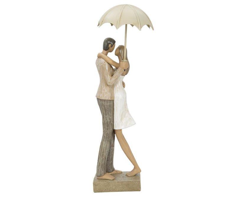 Ukras Lovers in the Rain